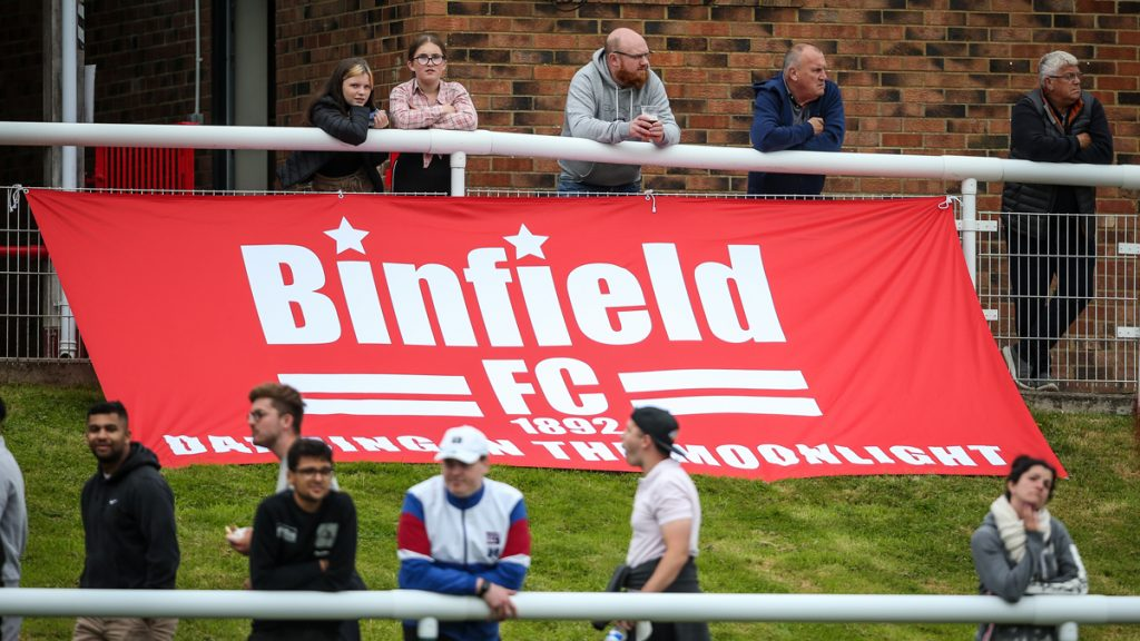 The Binfield flag pegged out at Hill Farm Lane. Photo: Neil Graham / ngsportsphotography.com